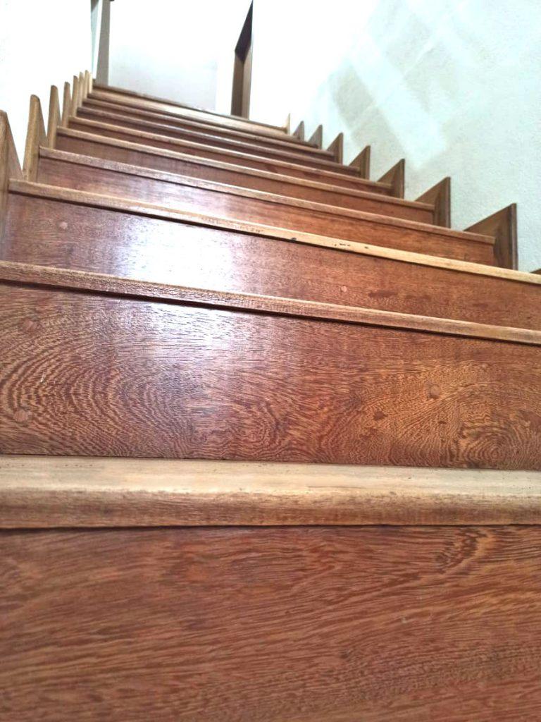 Madeira - escada Dellagnolo